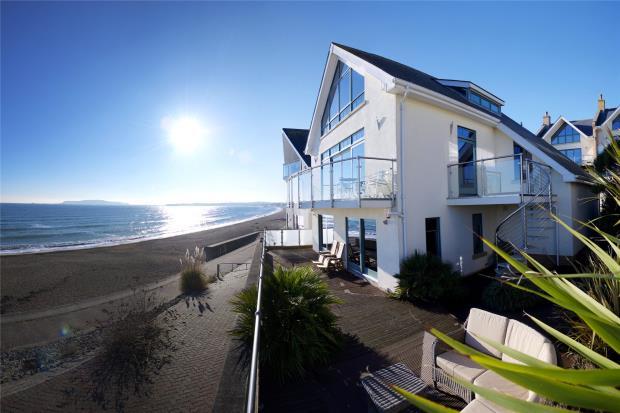Britain's Happiest Coastal Hotspots