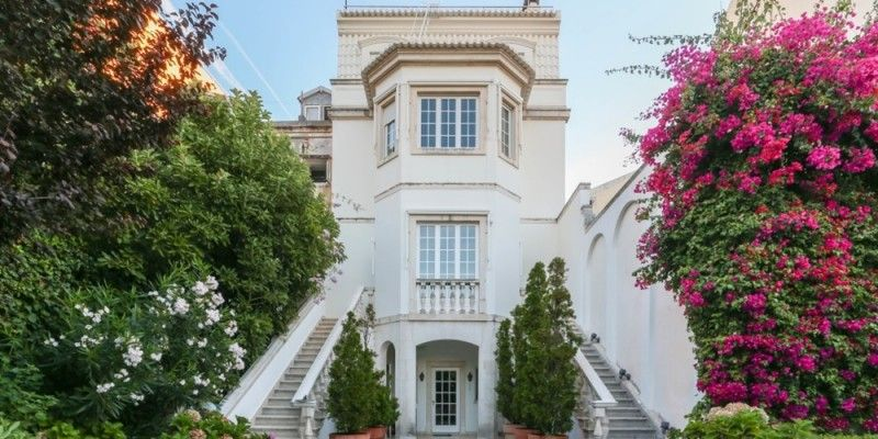 Top 10 white houses for sale