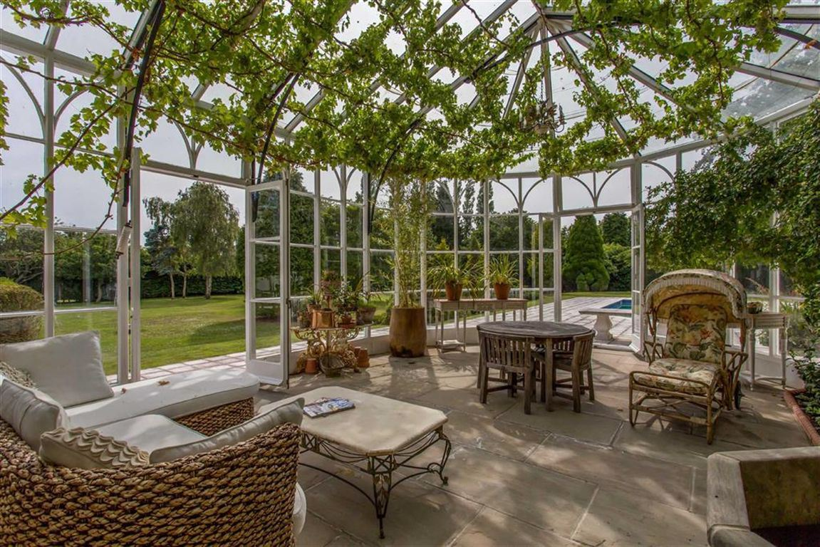 Step into the garden: Beautiful properties with exquisite gardens