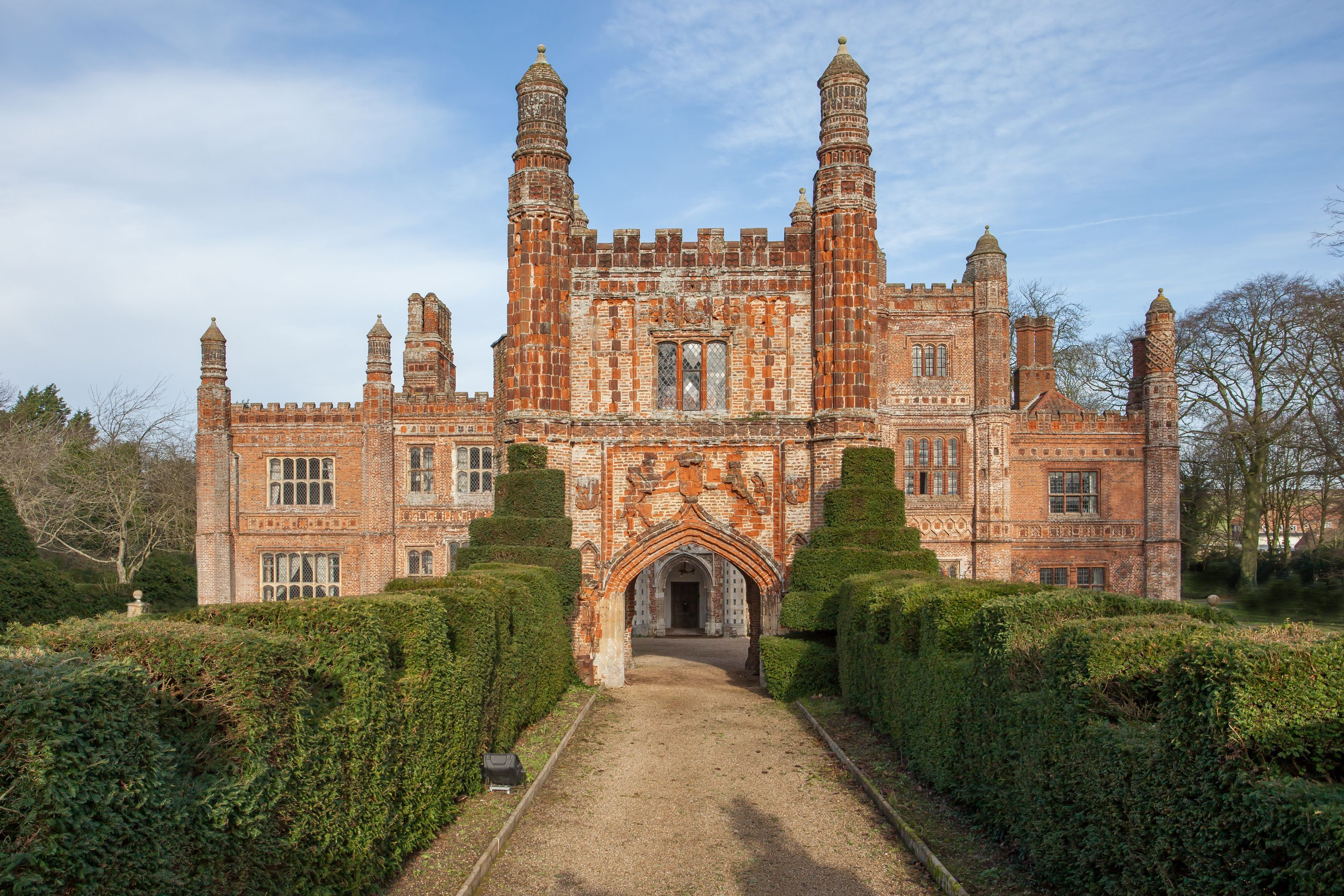 Eight bedroom main manor and a separate four bedroom gatehouse - The 16th Century Manor House Has Eight Nine Bedrooms Six Seven Reception Rooms And A Separate Three Bedroom Cottage With Detached Gatehouse