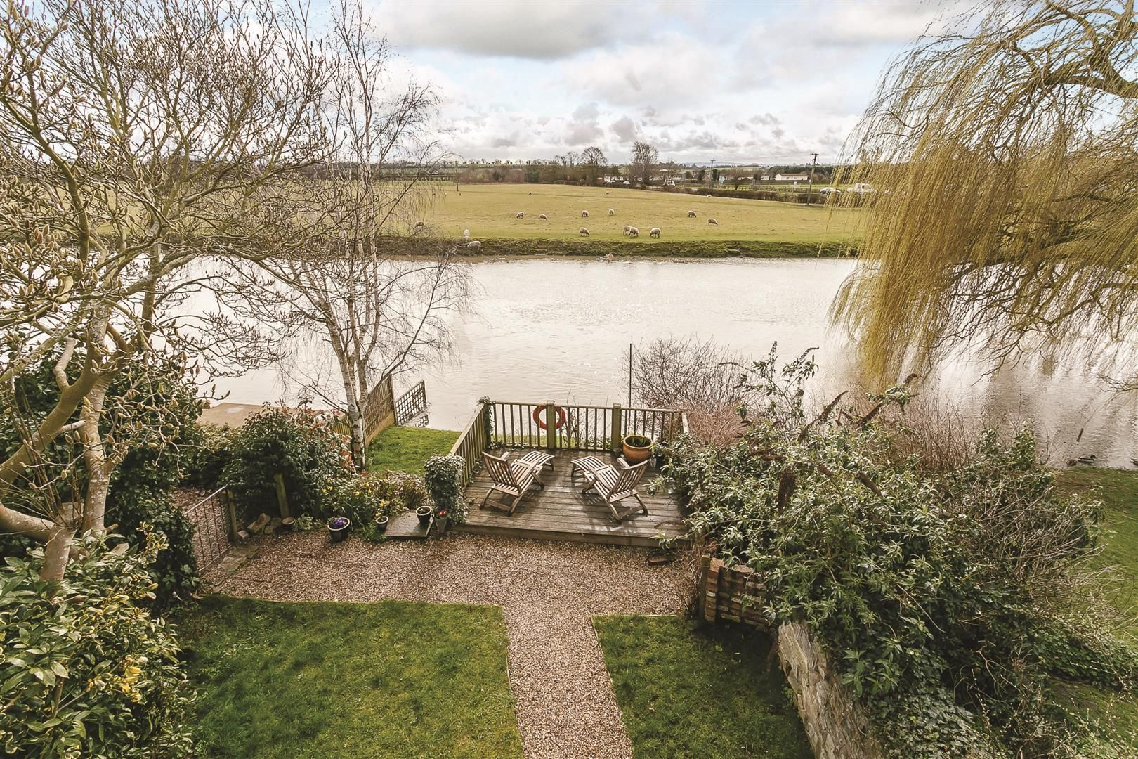 Splashing out: 6 of the best beautiful riverside homes for sale
