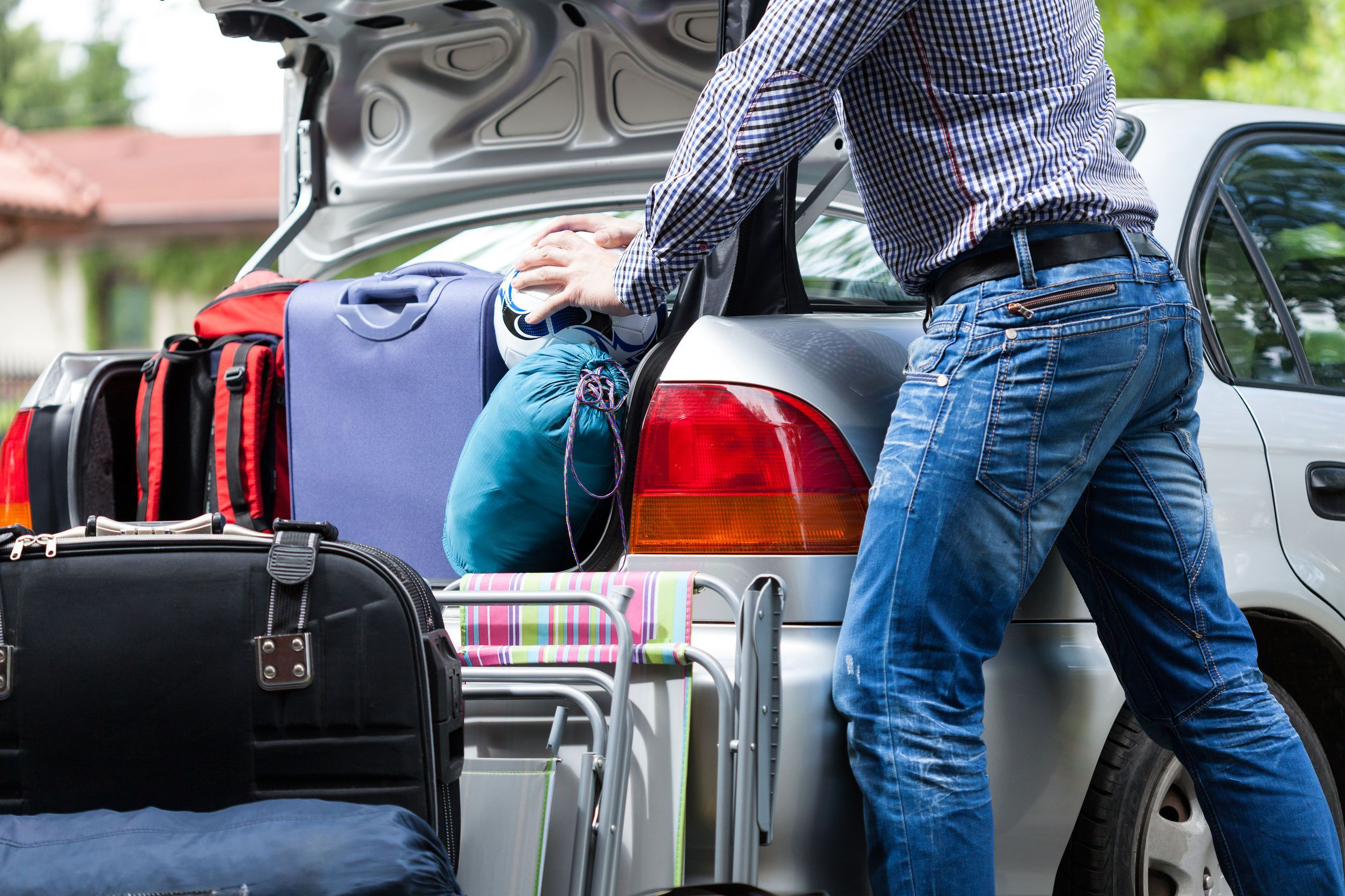 3 ways to pack your car effectively and efficiently before your commute home from Newcastle