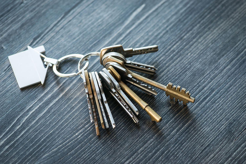 house keys with house key chain