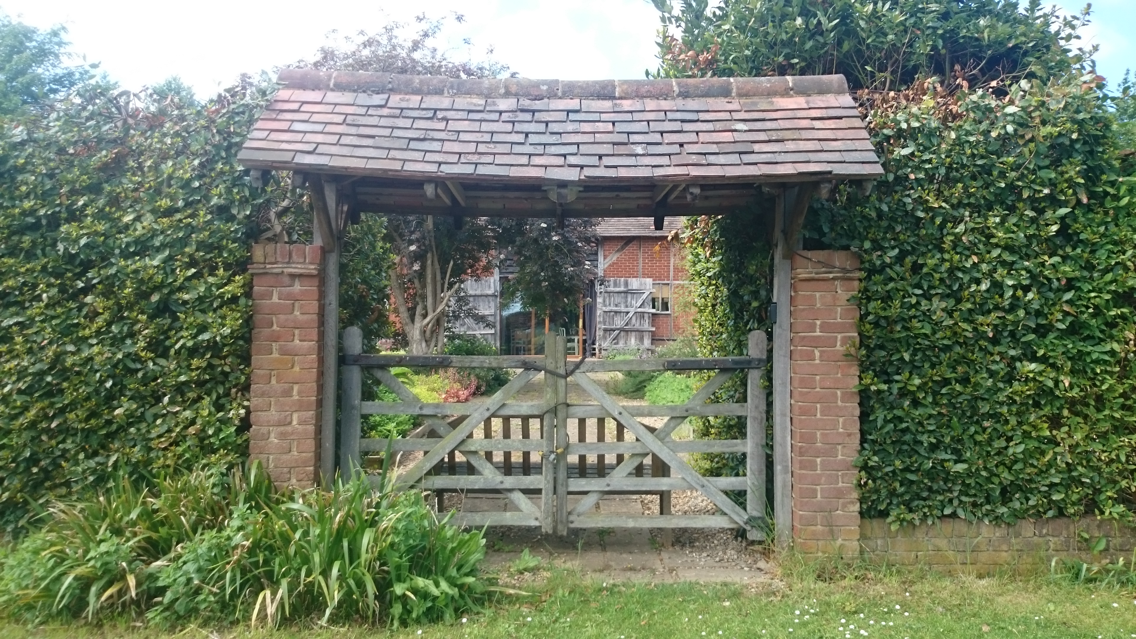 the_herb_farm_gate_(c)_wendy_thomson