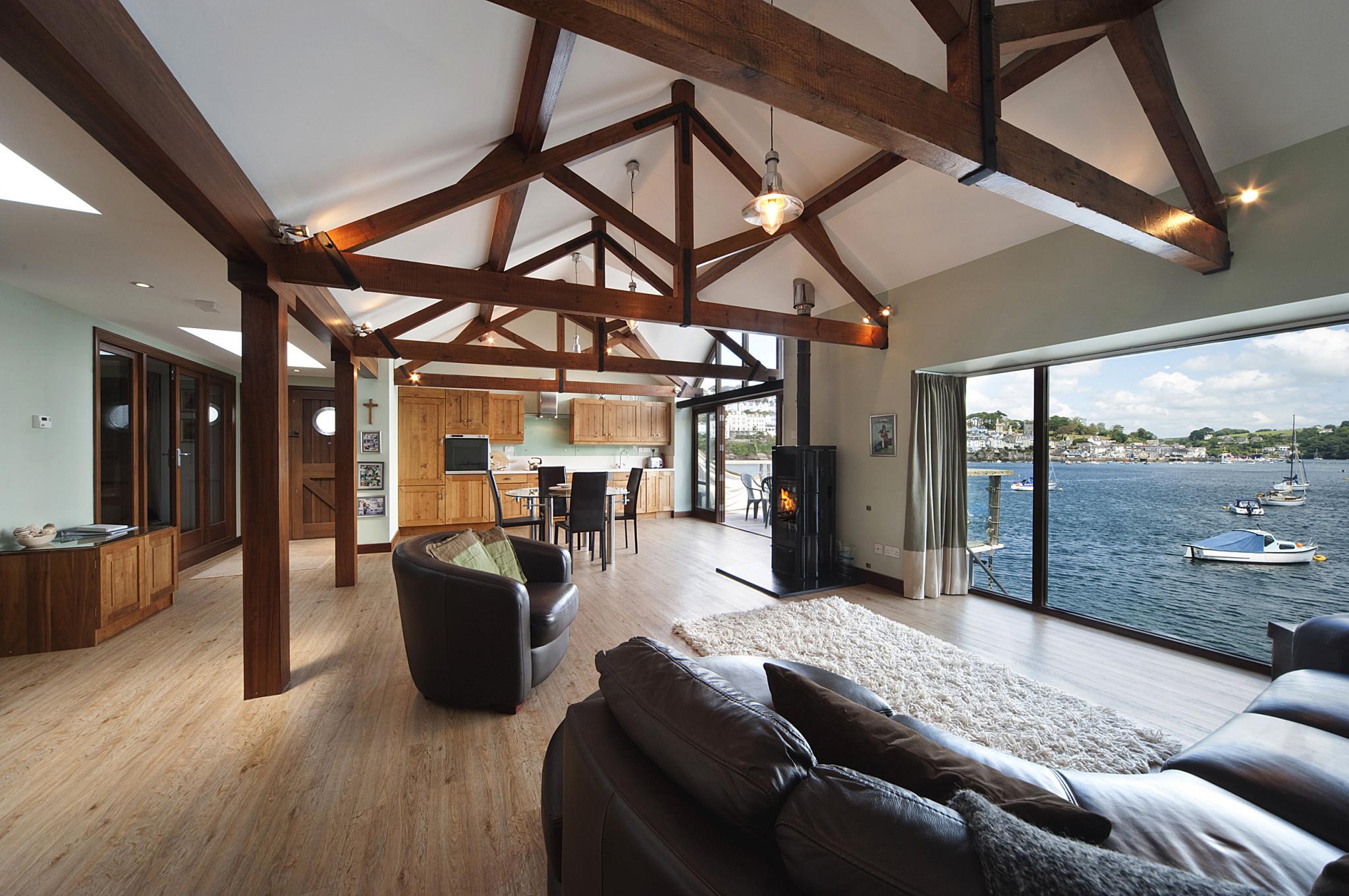0711-0281_truro-theoldboathouse-kitchenloungediningroom