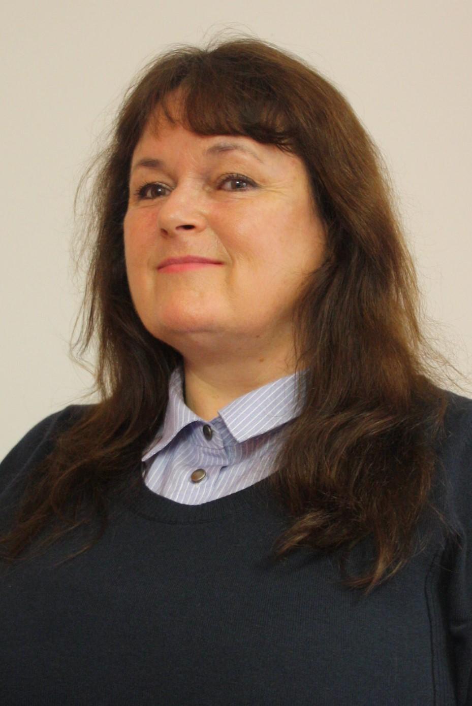 Angela Fozzard (Sales)