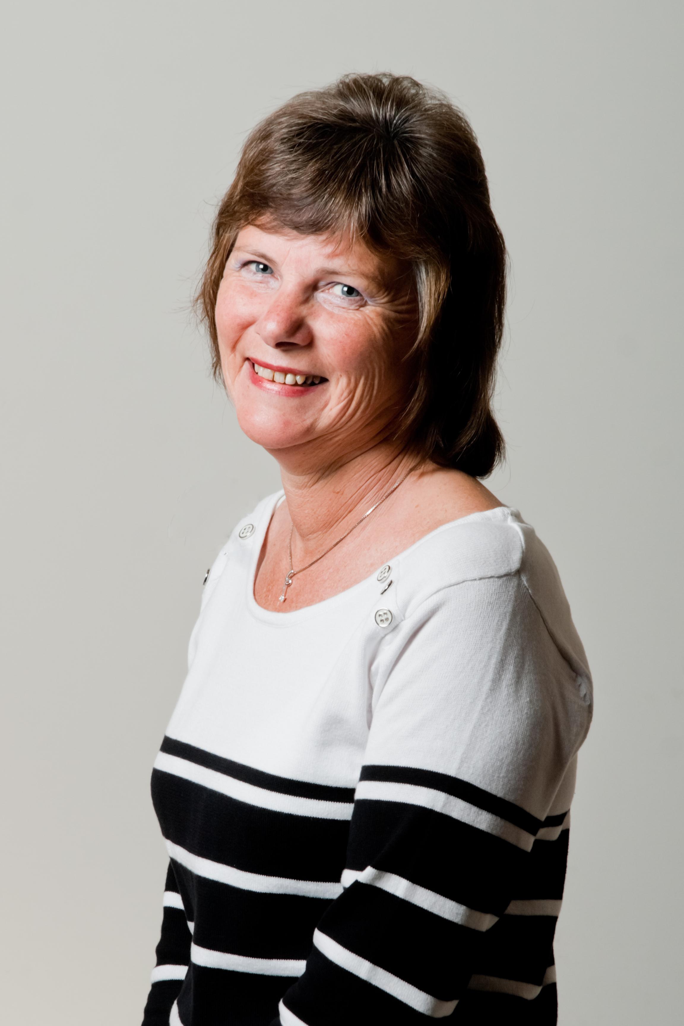 Julie Turner (Sales)