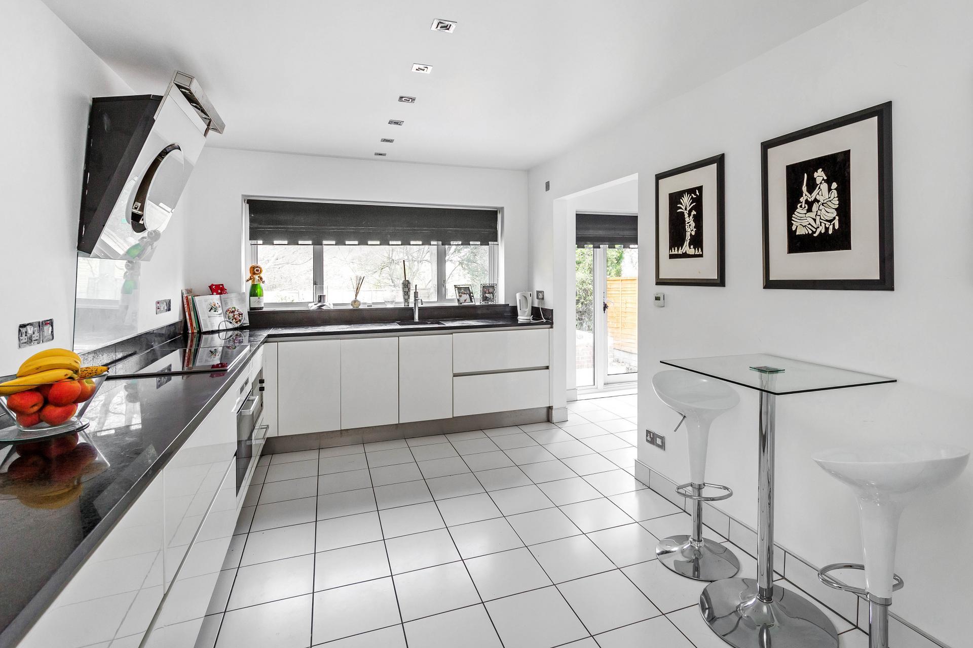 £900,000 - Croydon - 5 bedrooms