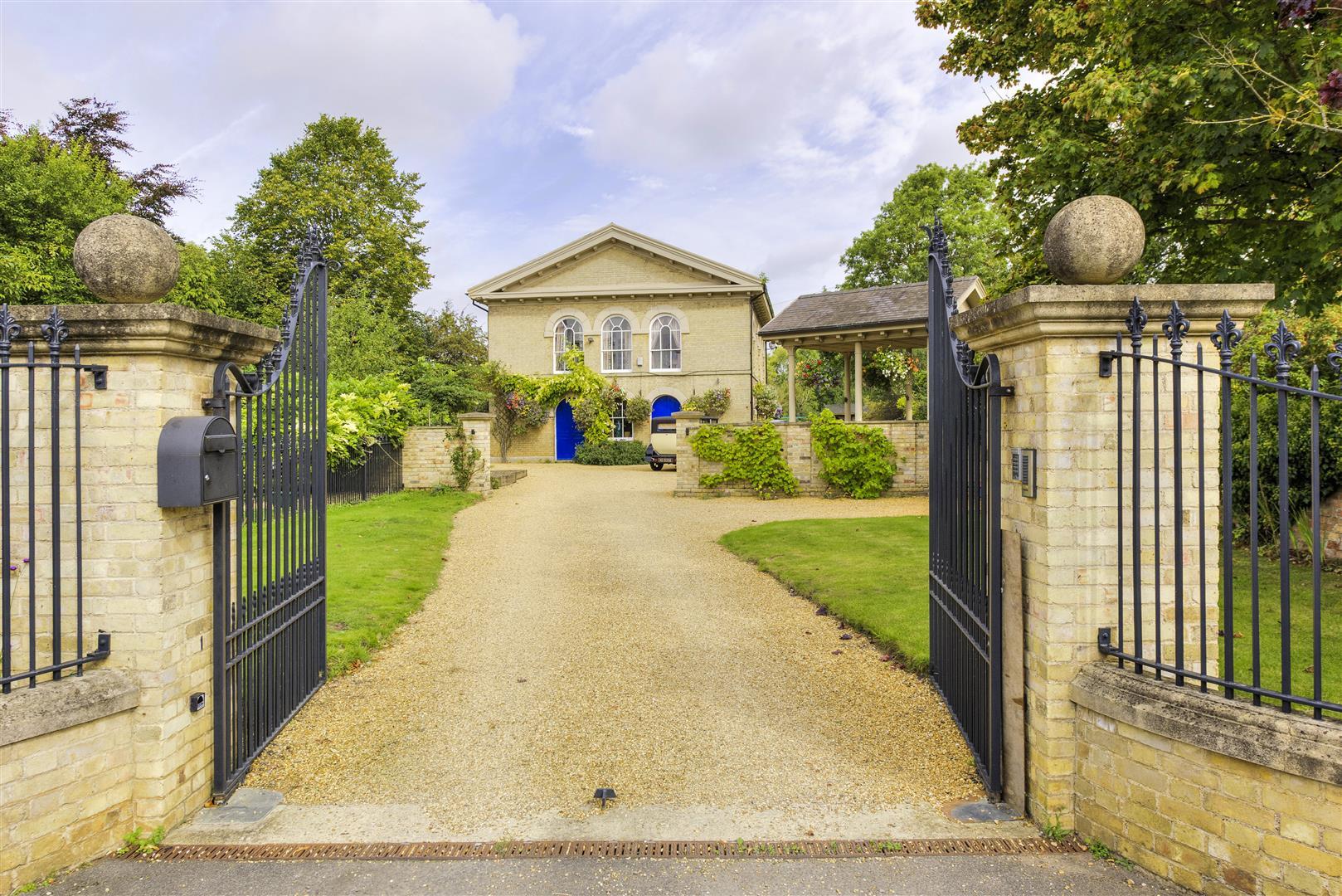 £895,000 - Spaldwick - 4 bedrooms
