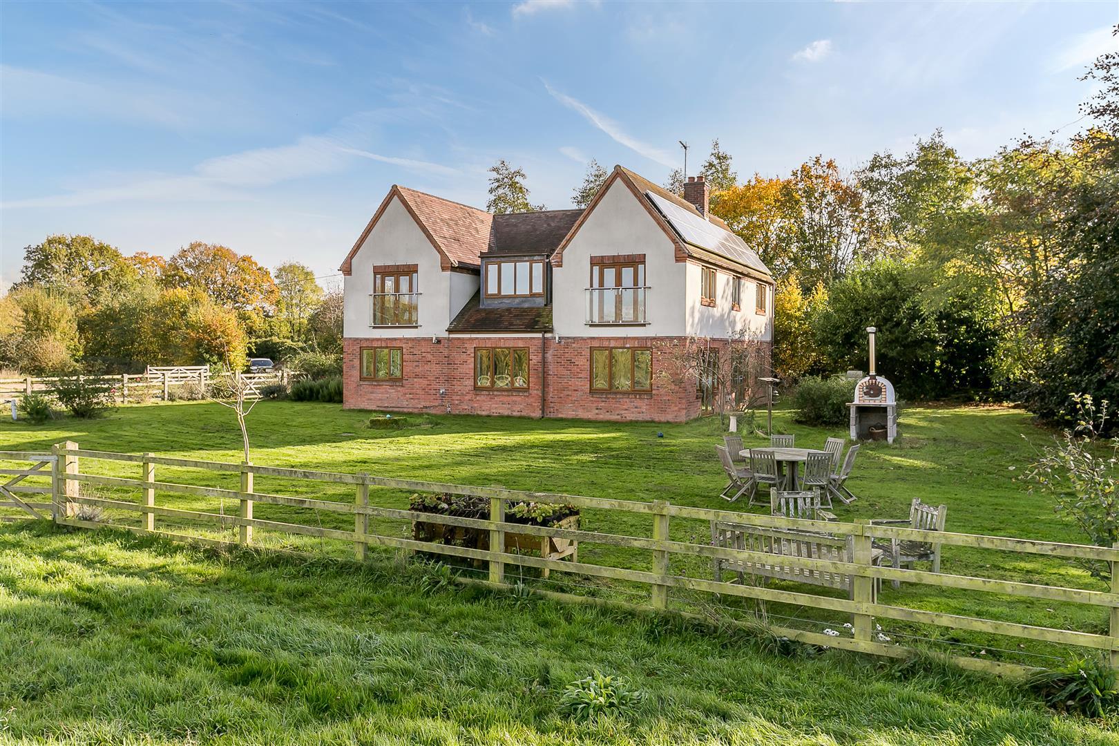 £850,000 - Rugby, Warwickshire - 4 bedrooms