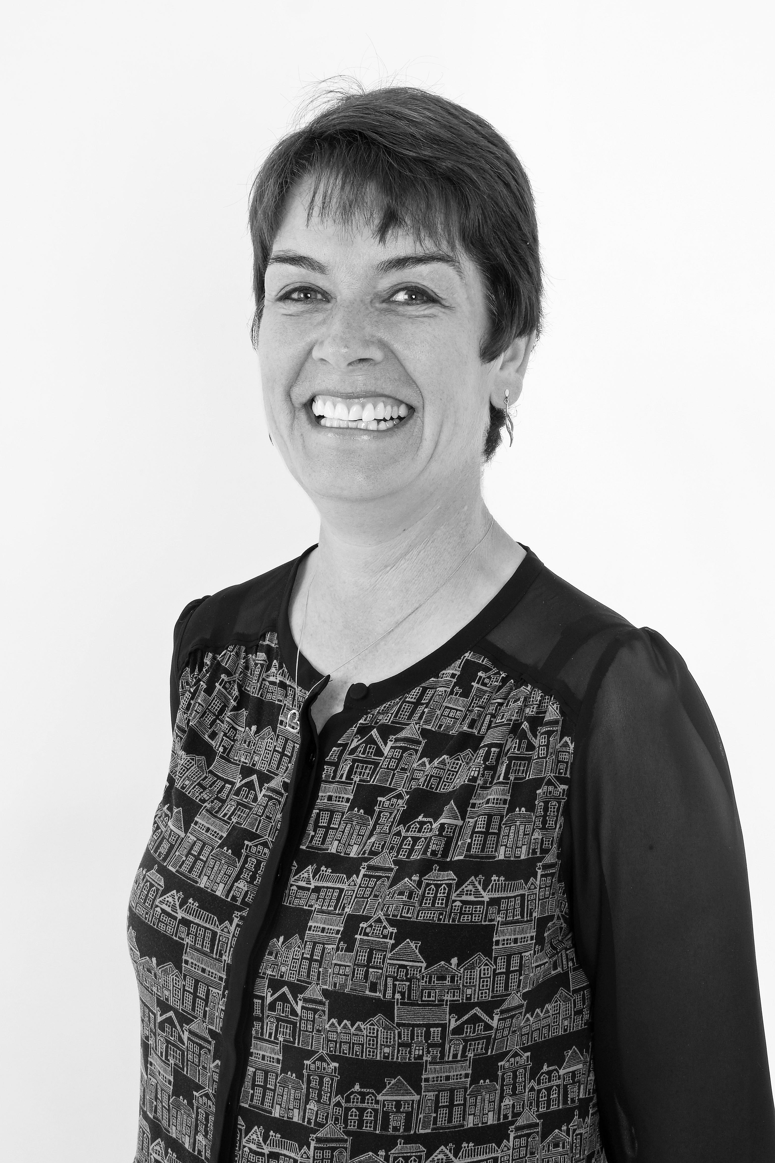 Liza Straughan