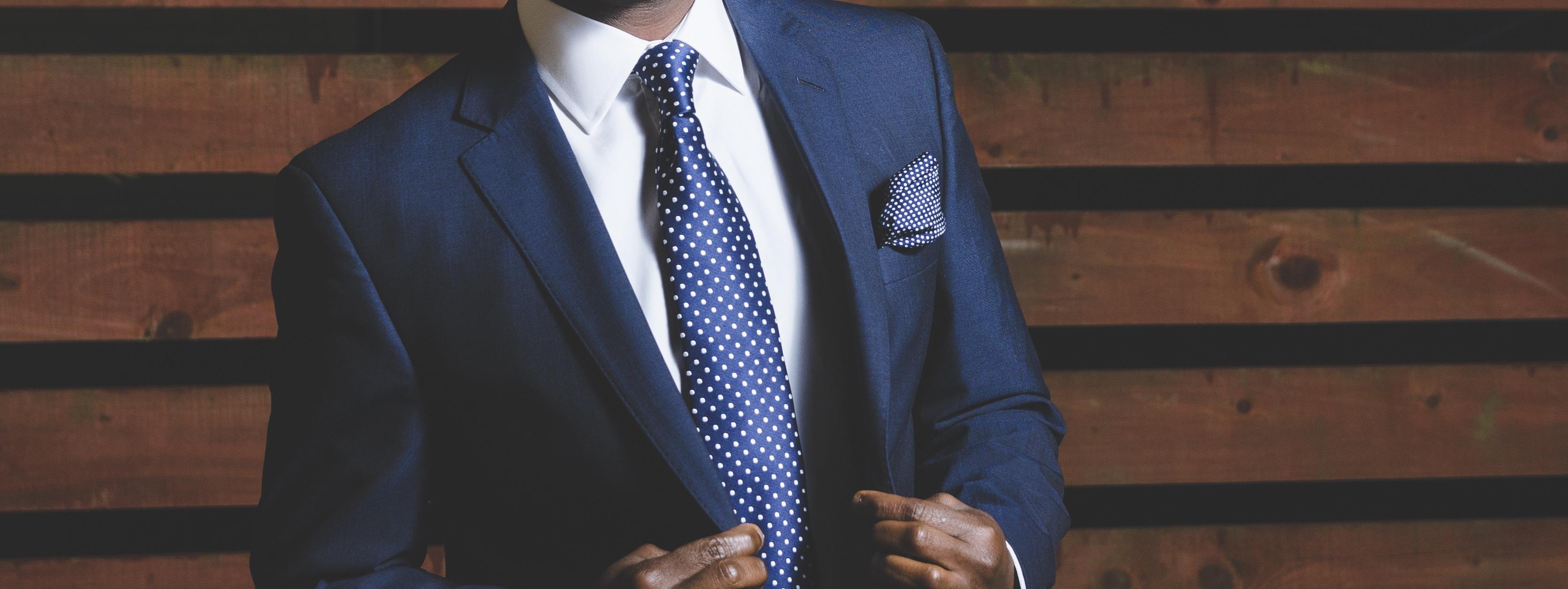 business-suit-690048